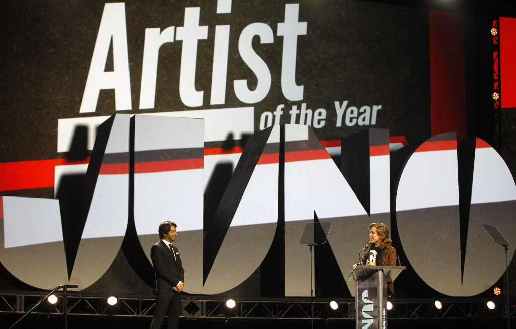 Serena Ryder wins the Juno for Artist of the Year at the 2014 Juno Gala.  (TREVOR HAGAN / WINNIPEG FREE PRESS)