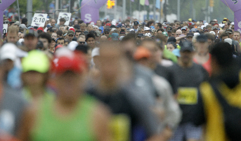 Half Marathon participants start at the University of Manitoba, Sunday, June 15, 2014.  (Trevor Hagan / Winnipeg Free Press)