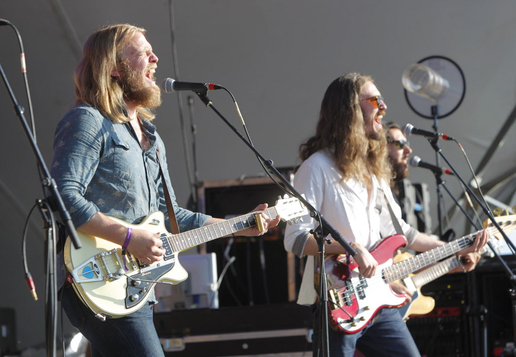 The Bros. Landreth perform on Main Stage.  (BORIS MINKEVICH / WINNIPEG FREE PRESS)