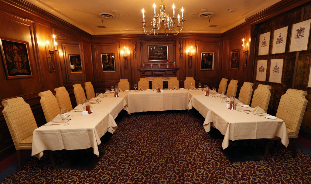 The Board of Governors Room. (KEN GIGLIOTTI / WINNIPEG FREE PRESS)
