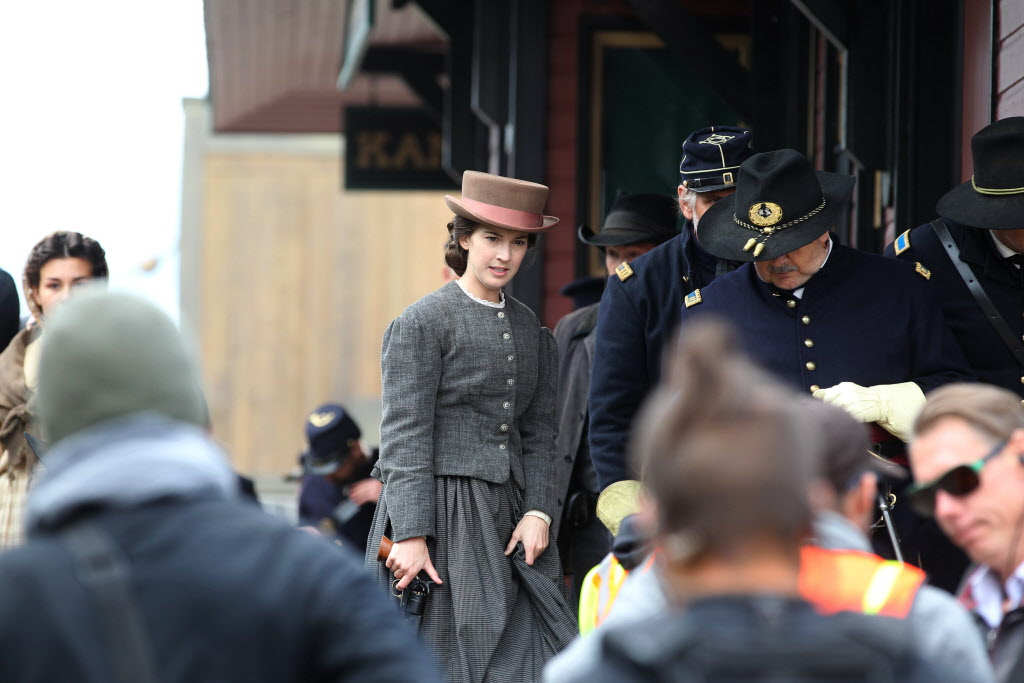 Actor Martha MacIsaac on location of the set for The Pinkertons. (Ruth Bonneville / Winnipeg Free Press)