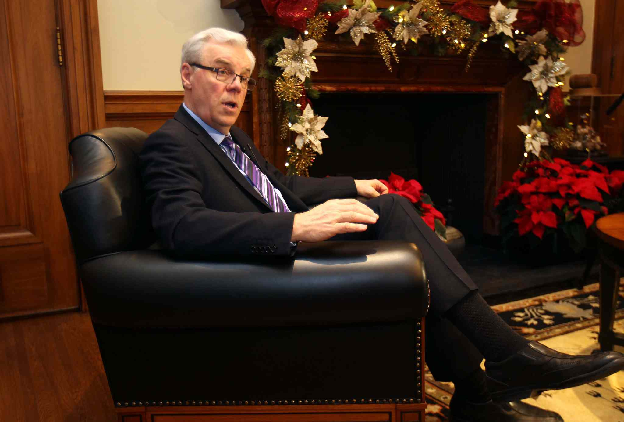 Greg Selinger will make his candidacy for NDP leader official today at 12:15 at the party's offices on Portage Avenue.