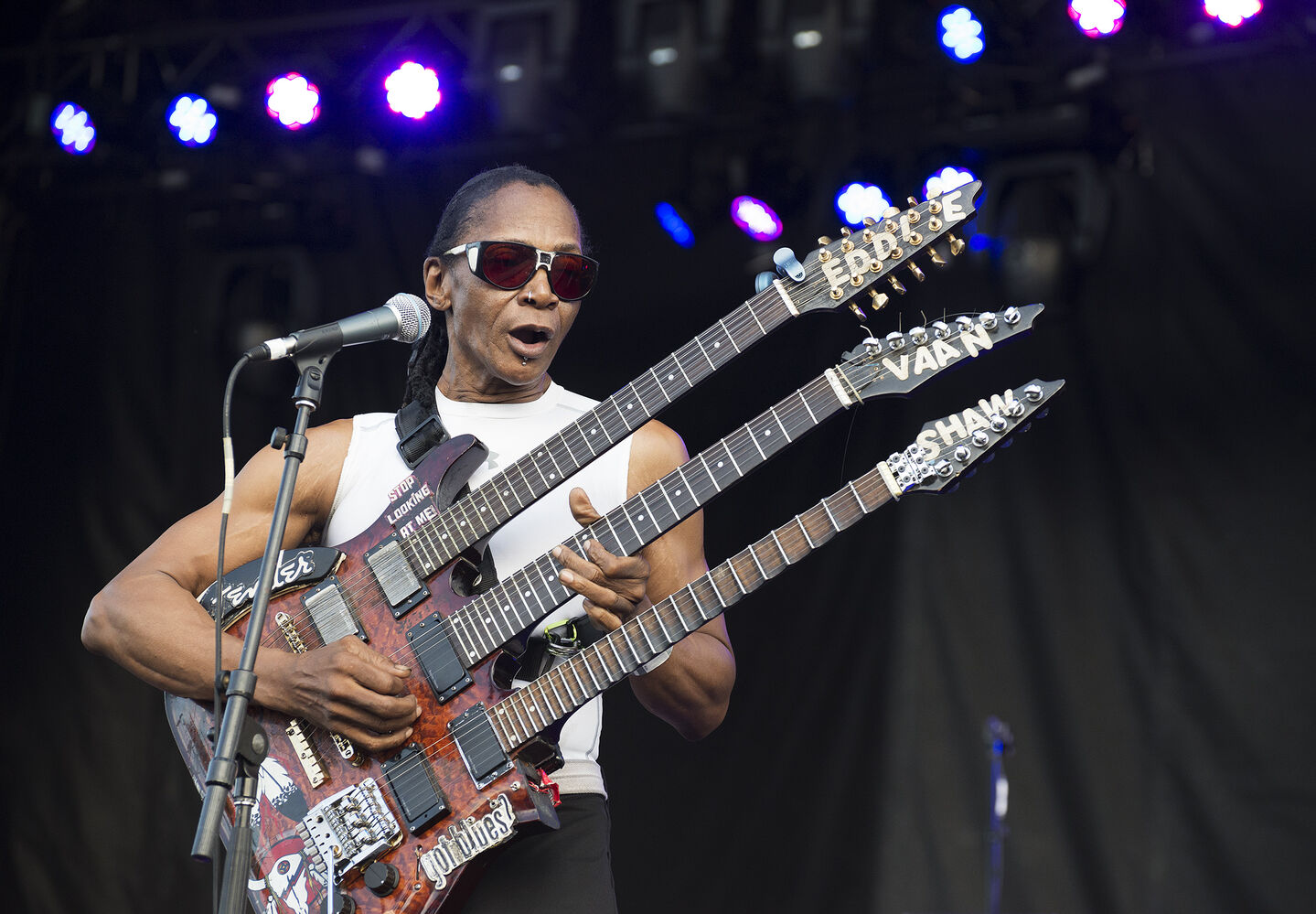 Eddie Shaw performs at the Winnipeg BBQ & Blues Festival at Shaw Park Saturday.  (Sarah Taylor / Winnipeg Free Press)