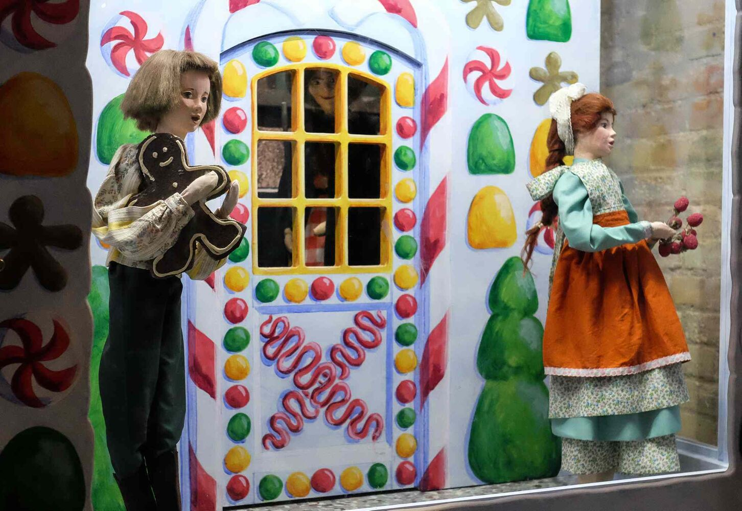 Hansel and Gretel. (MIKE DEAL / WINNIPEG FREE PRESS)