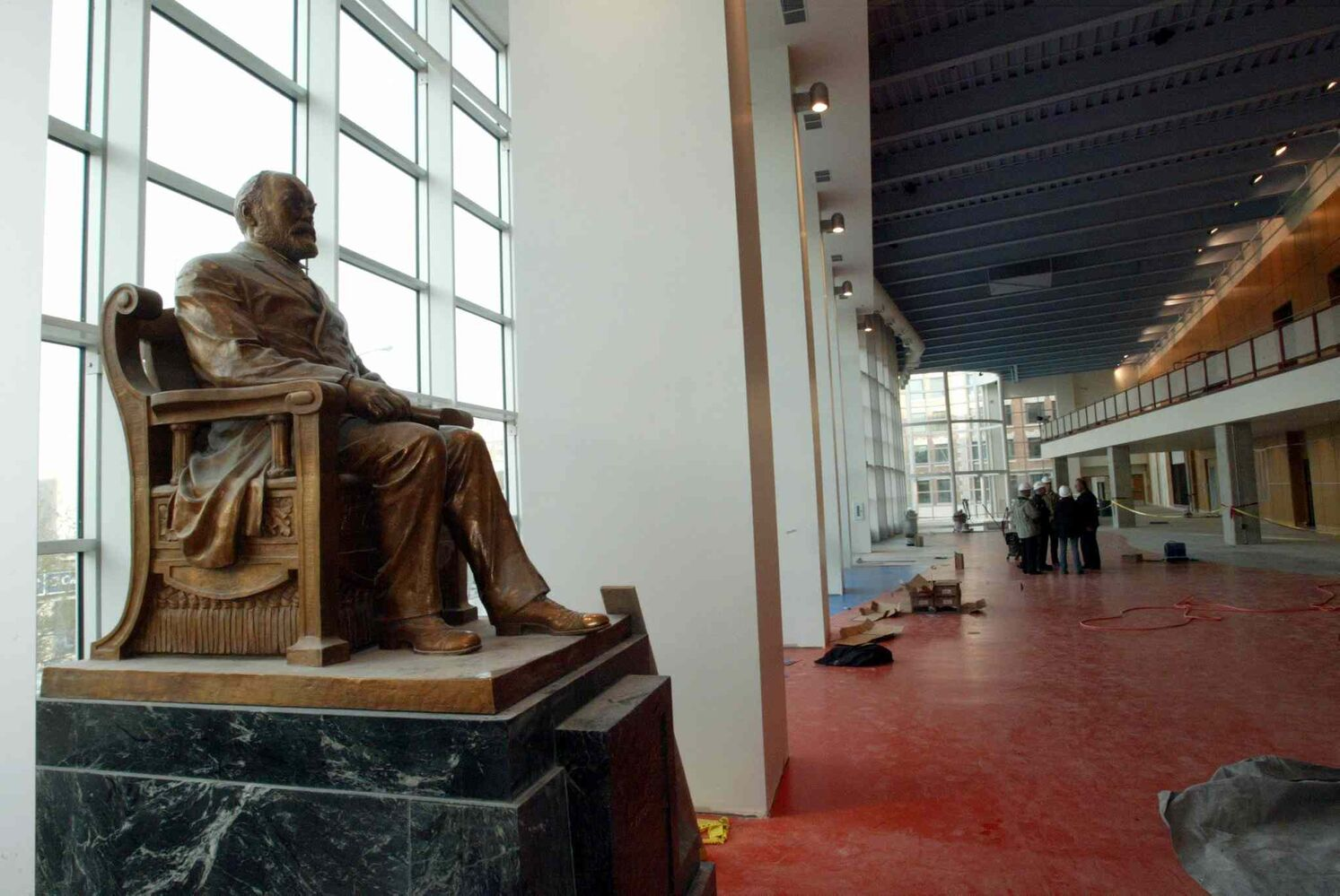 The Timothy Eaton statue in the MTS Centre.   (Wayne Glowacki/Winnipeg Free Press)