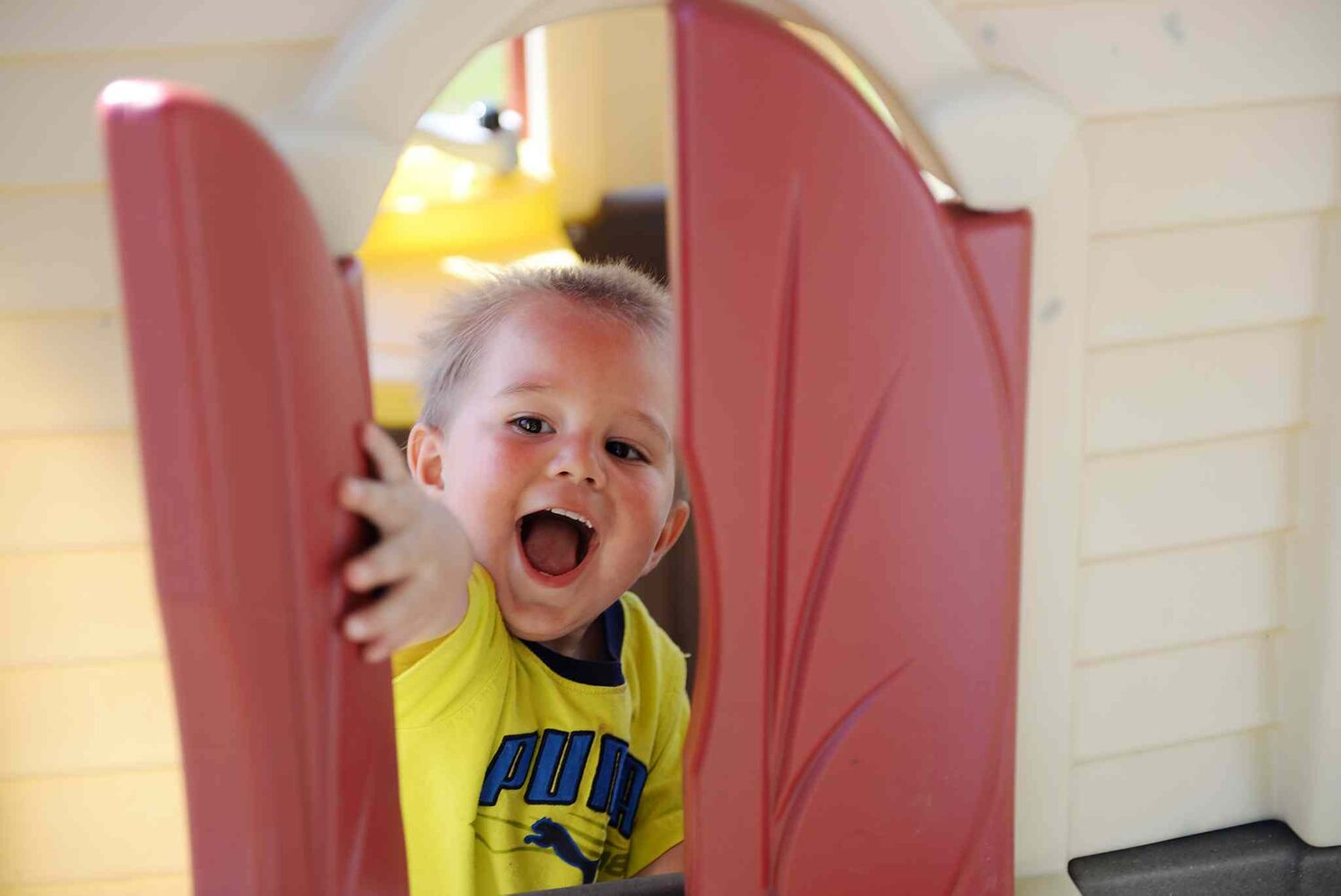 Liam Brooker, 1, plays at the Ex for the first time.  (Sarah Taylor / Winnipeg Free Press)