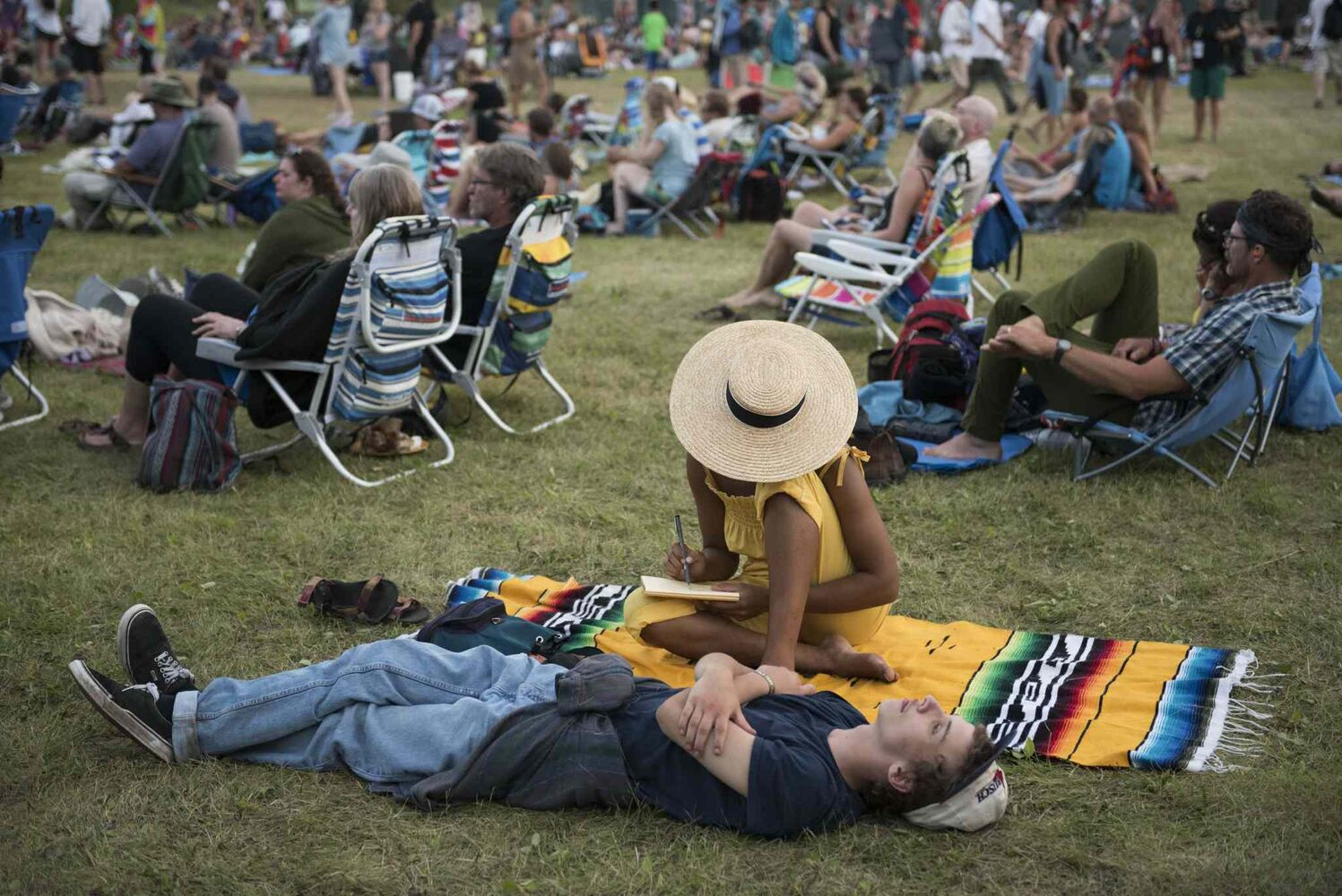 Audiences take in the final evening of Winnipeg Folk Festival 2016 at Birds Hill Park Sunday.  (DAVID LIPNOWSKI / WINNIPEG FREE PRESS)