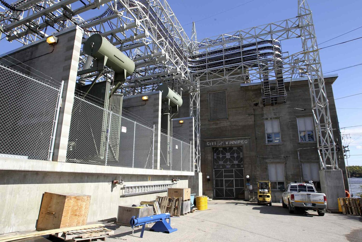 The power plant that houses all the generators that produce the electricity for Winnipeg. Much of the equipment is original and very outdated.  MIKE DEAL / WINNIPEG FREE PRESS (MIKE DEAL / WINNIPEG FREE PRESS)