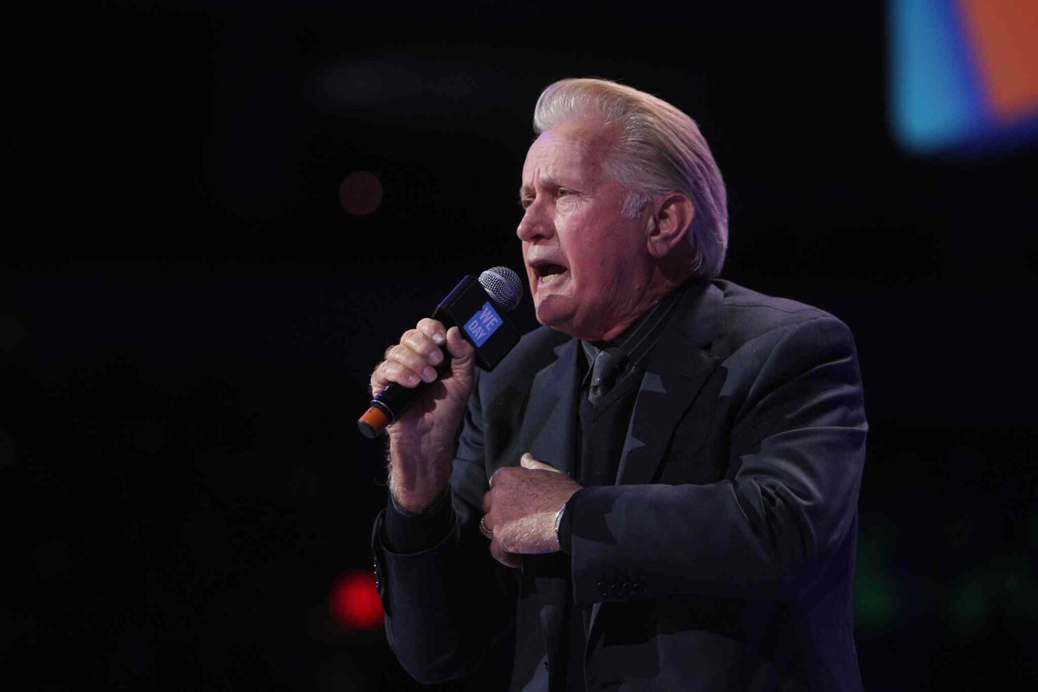 Award-winning actor and human rights advocate Martin Sheen gives an impassioned speech at We Day. (Ruth Bonneville / Winnipeg Free Press)