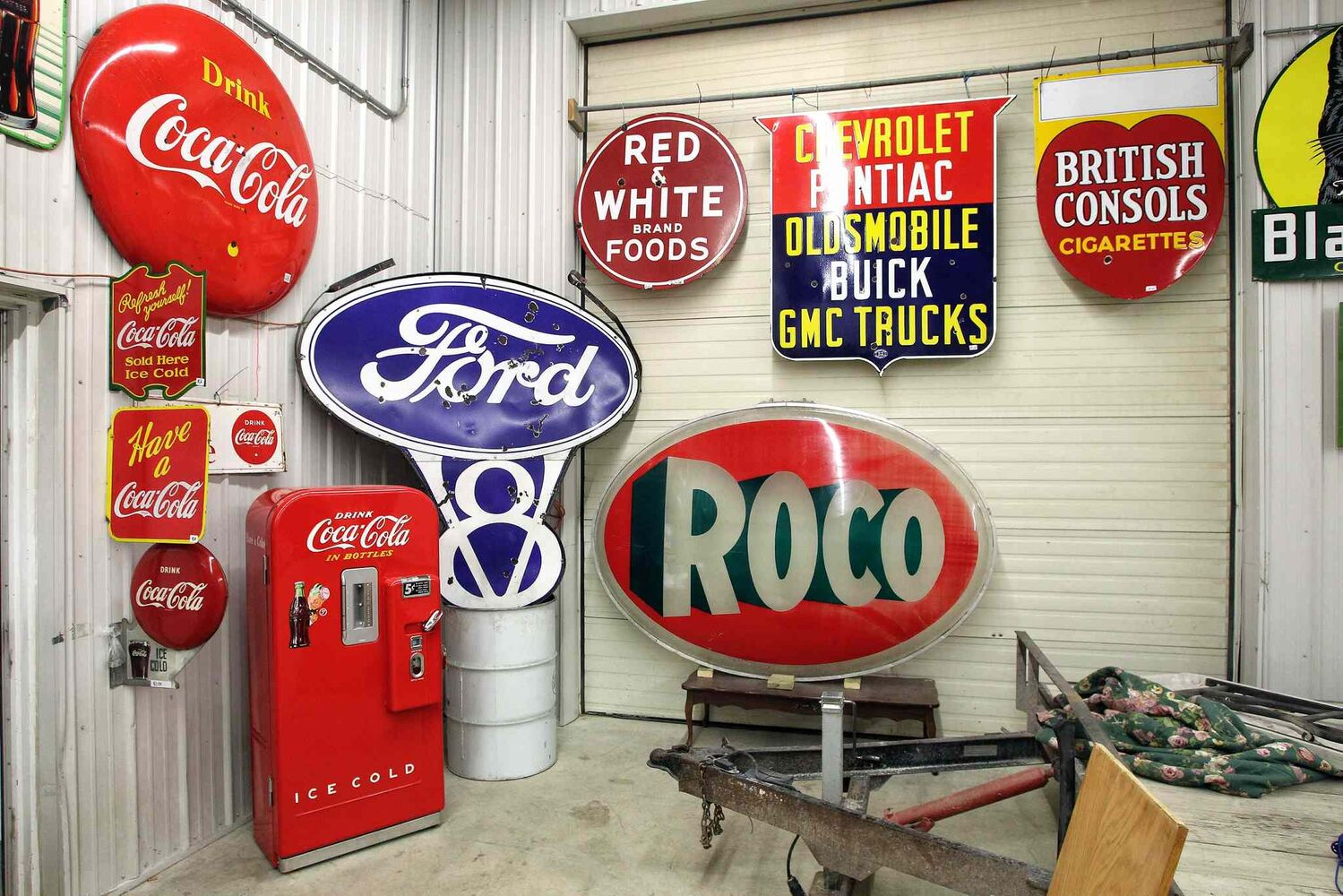 Some of the iconic signs items McSherry Auction Service are putting up for sale. (MIKE DEAL / WINNIPEG FREE PRESS)