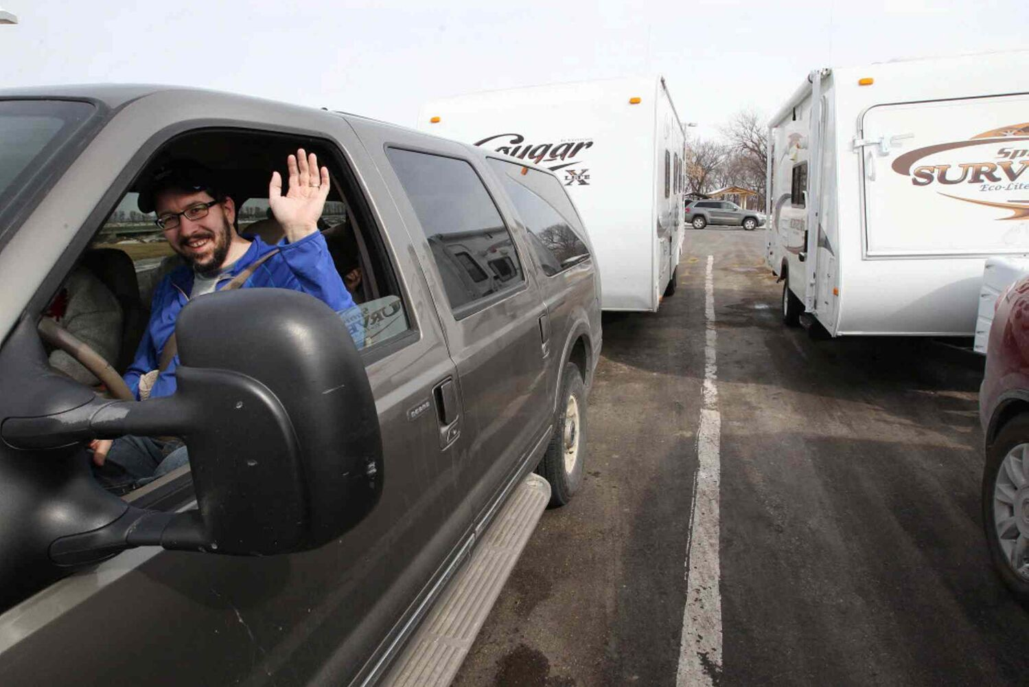 Winnipegger Patrick Bowman packed up his family to head to Gulf of Mexico. Joe and Randy met up with him just inside the USA/Canada border. (JOE BRYKSA / WINNIPEG FREE PRESS)
