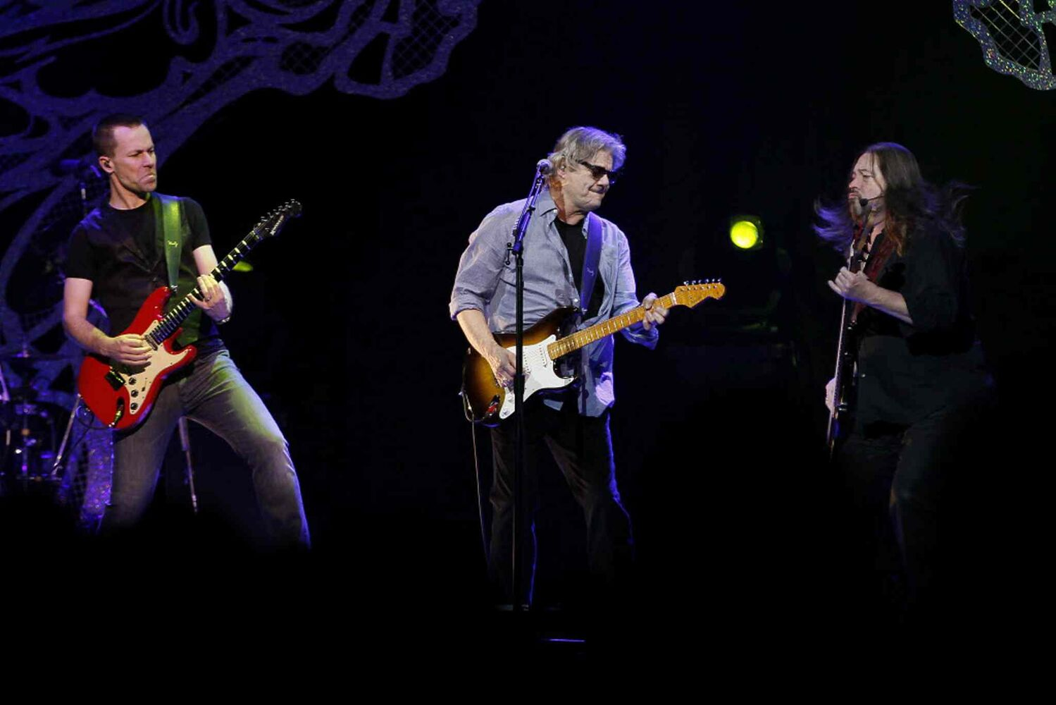 Steve Miller Band rocks the house at MTS Centre in Winnipeg Friday, April 4.  (John Woods / Winnipeg Free Press)