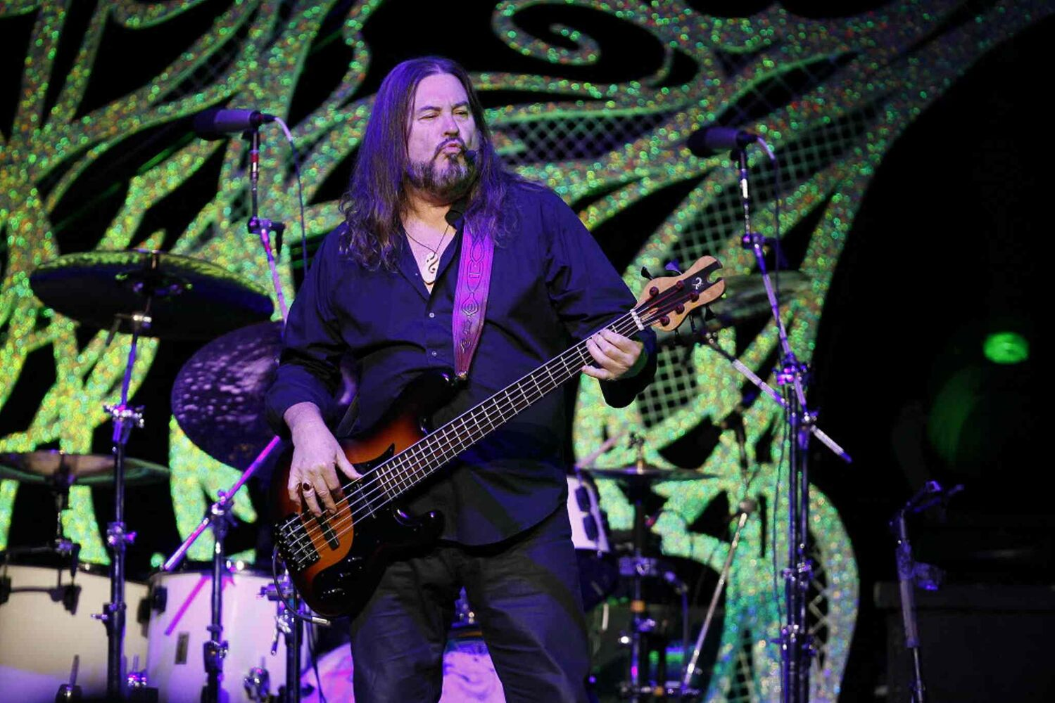 Kenny Lee Lewis gets his bass groove on.  (Winnipeg Free Press)