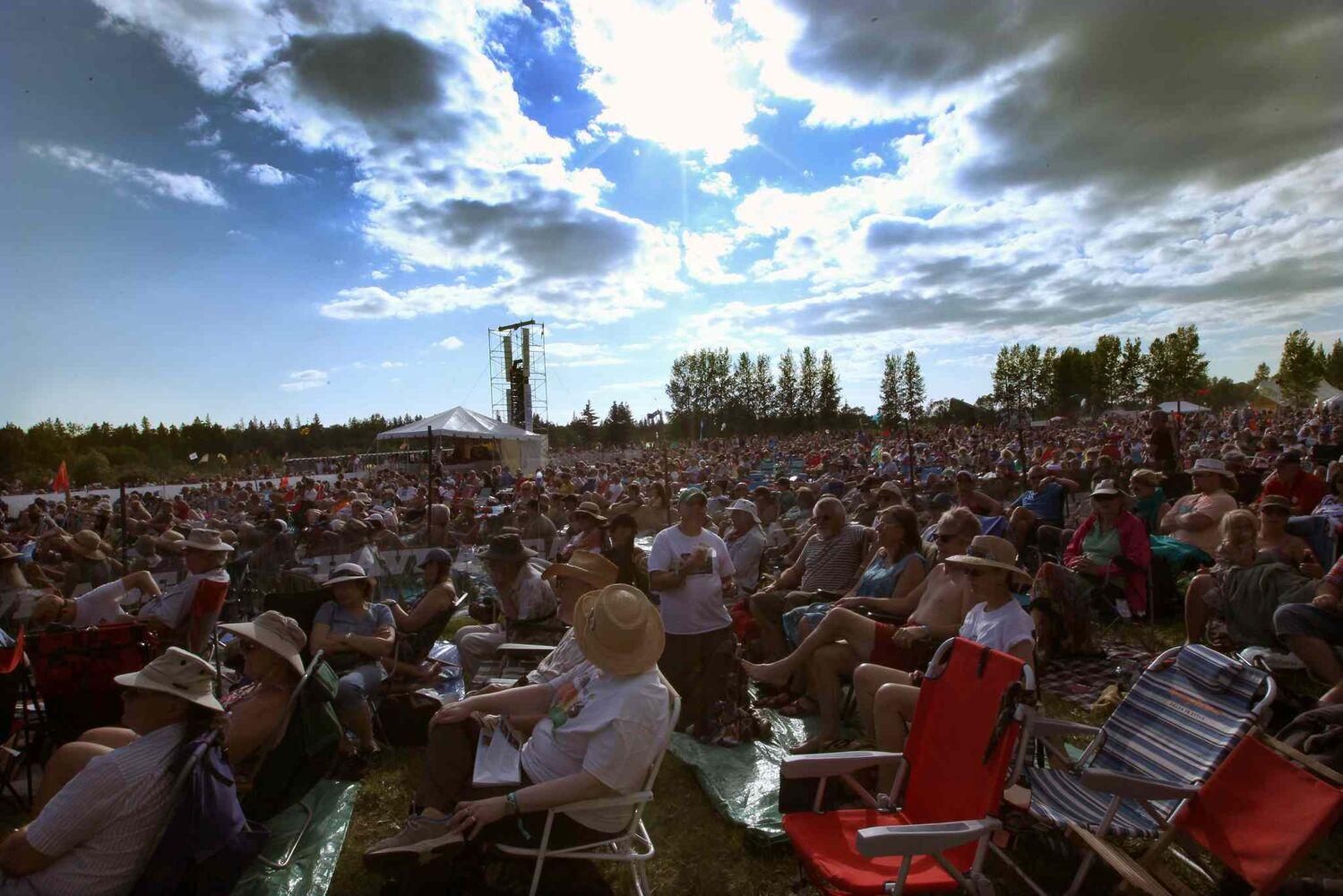 People gather at  Winnipeg Folk Festival Main Stage friday night in Birds Hill Park during a beautiful summer evening- (Joe Bryksa / Winnipeg Free Press)