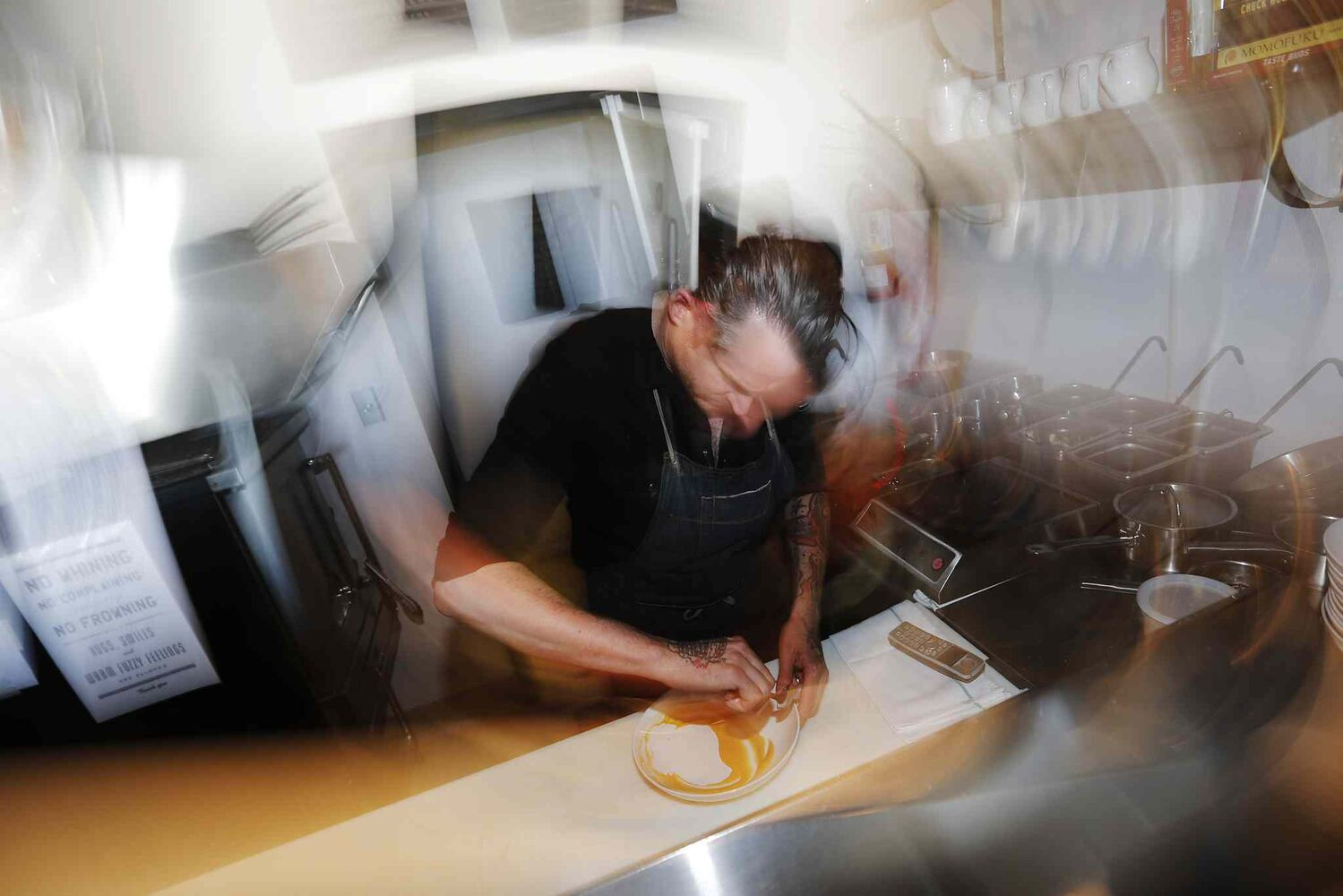 Scott Bagshaw, owner of Enoteca, in the kitchen of his new restaurant . (JOHN WOODS / WINNIPEG FREE PRESS)