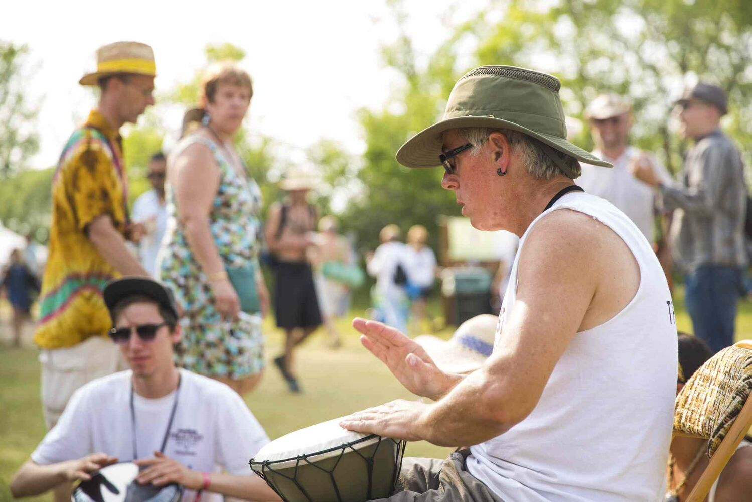 Paul Long leads a jam circle at the Winnipeg Folk Festival at Birds Hill Provincial Park on Saturday, July 11, 2015.   Mikaela MacKenzie / Winnipeg Free Press (Winnipeg Free Press)