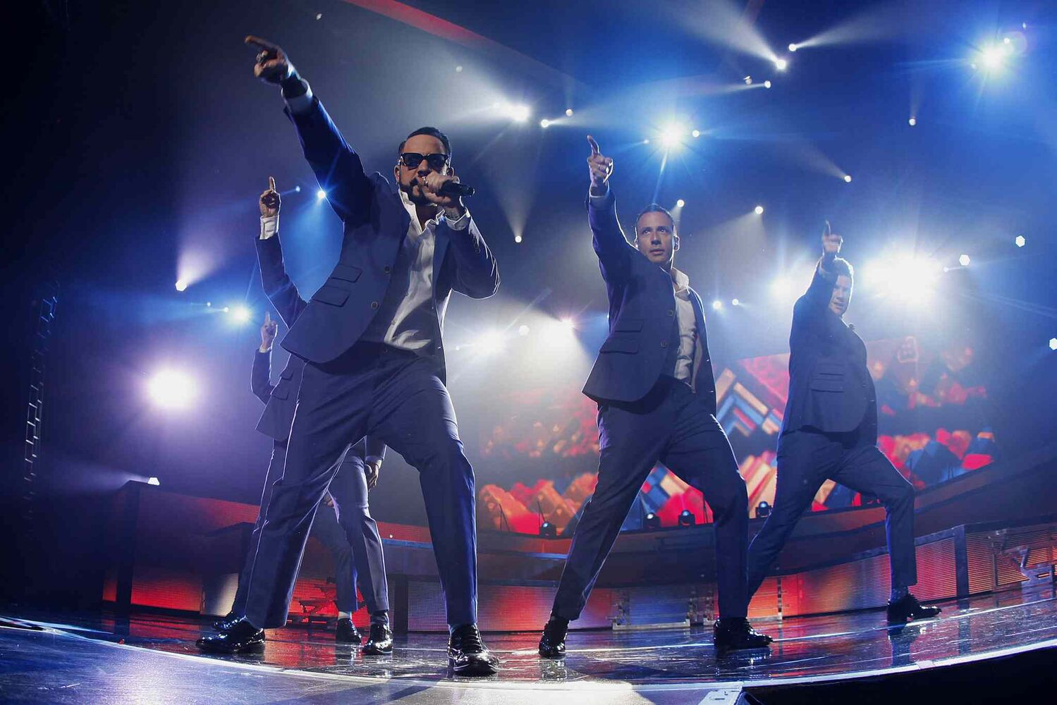 The Backstreet Boys perform at the MTS Centre Sunday night. (John Woods / Winnipeg Free Press)