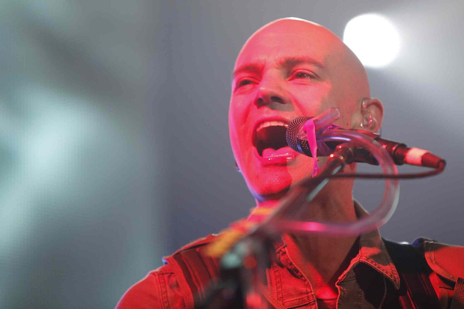 Hedley guitarist David Rosin performs with the band Tuesday. (John Woods / Winnipeg Free Press)