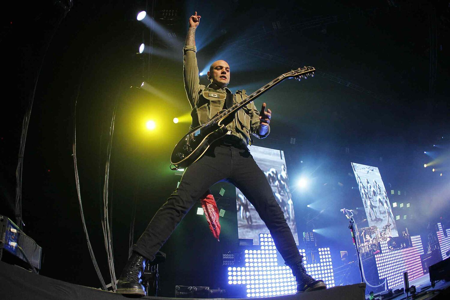 Guitarist Dave Rosin performs during Hedley's show at the MTS Centre Tuesday. (John Woods / Winnipeg Free Press)