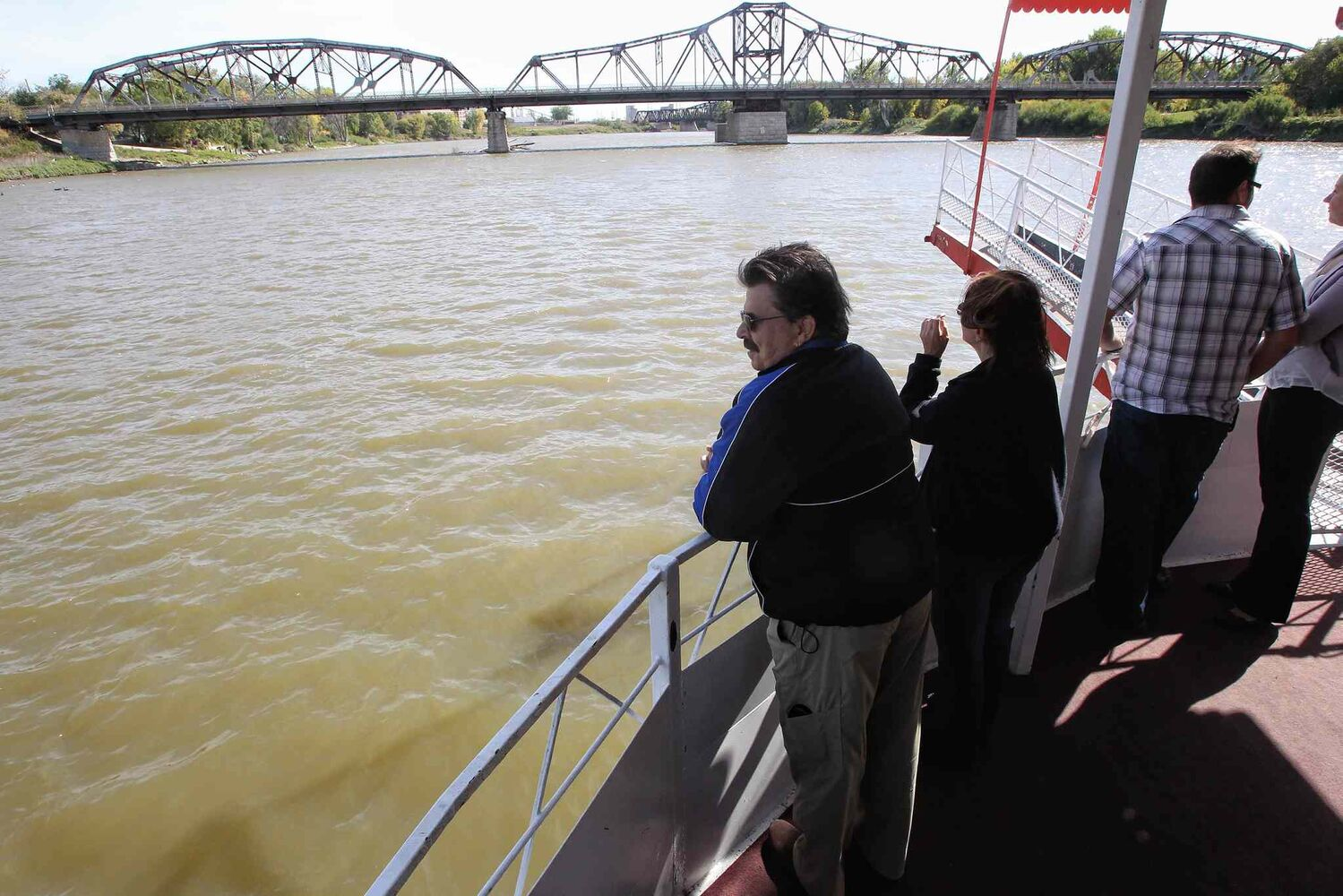 The Paddlewheel Queen cruised the Red River for the last time this year on Sunday.   (Mike Deal / Winnipeg Free Press)