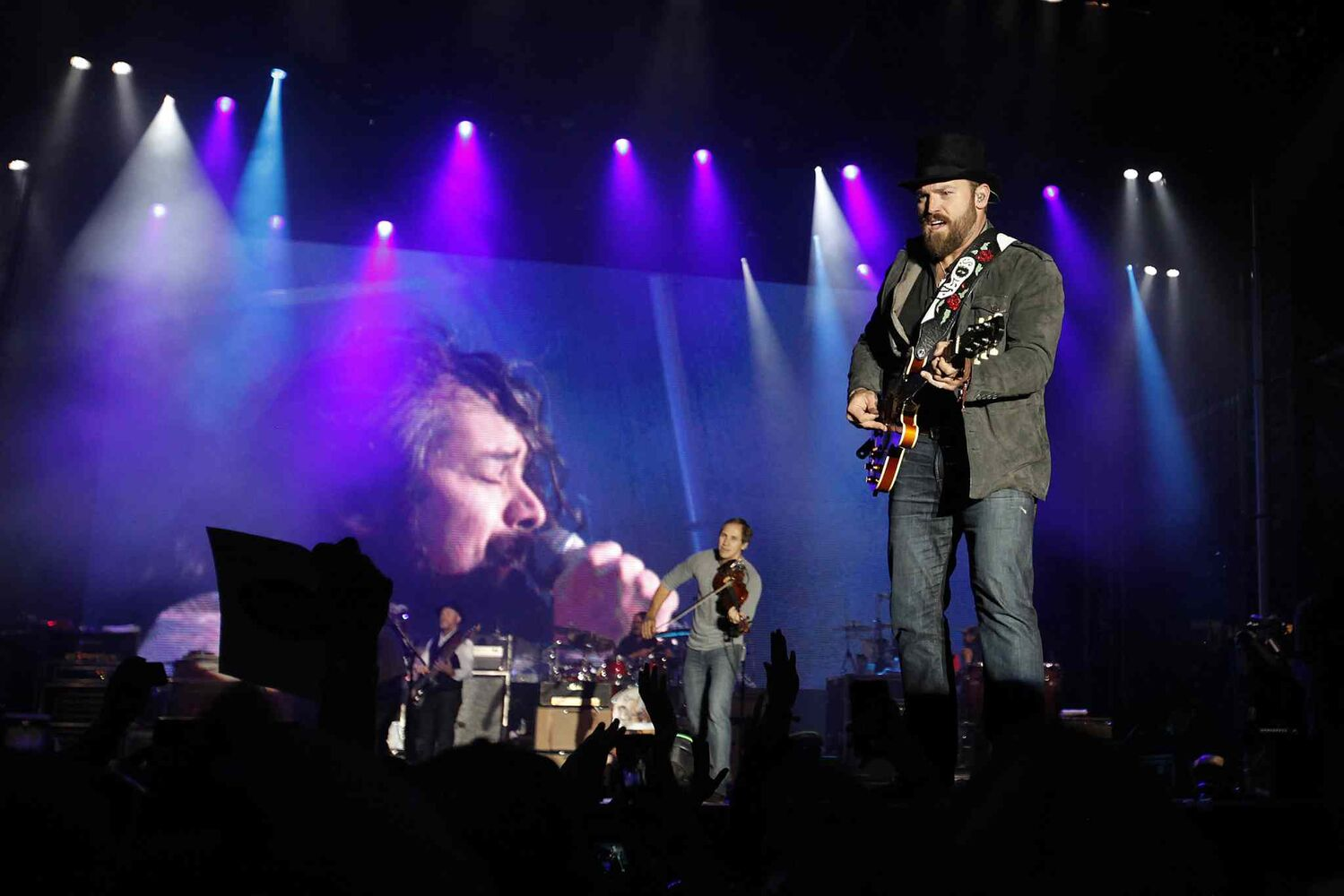 Zac Brown Band performs at Prairie Jam. (JOHN WOODS / WINNIPEG FREE PRESS)