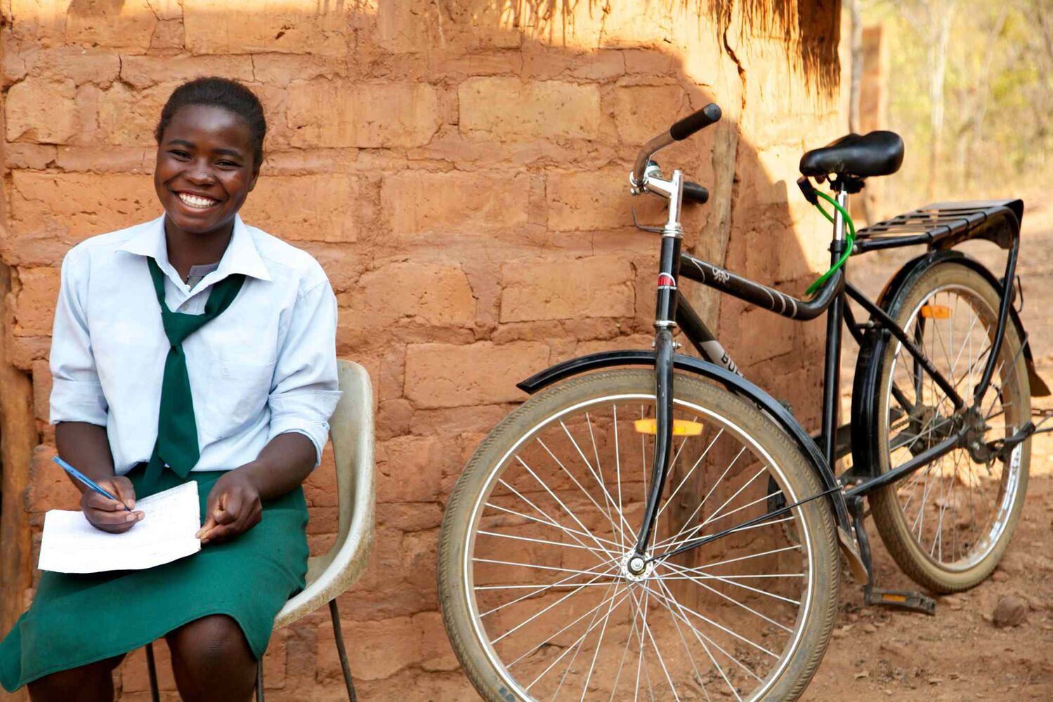 Now, with the Buffalo Bike, she arrives to school on time every day and is ready to study.