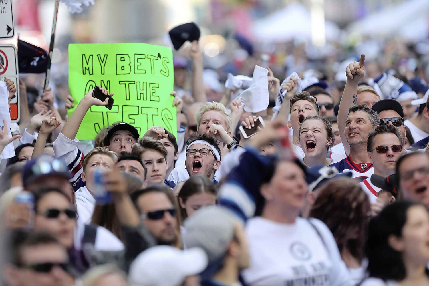 RUTH BONNEVILLE / WINNIPEG FREE PRESS</p><p>Thousands of Winnipeg Jets fans scream at the start of Game 1 of Western Conference final between the Jets and Las Vegas Golden Knights game outside Bell MTS Place druing the Whiteout street party Saturday, May 12, 2018.</p>