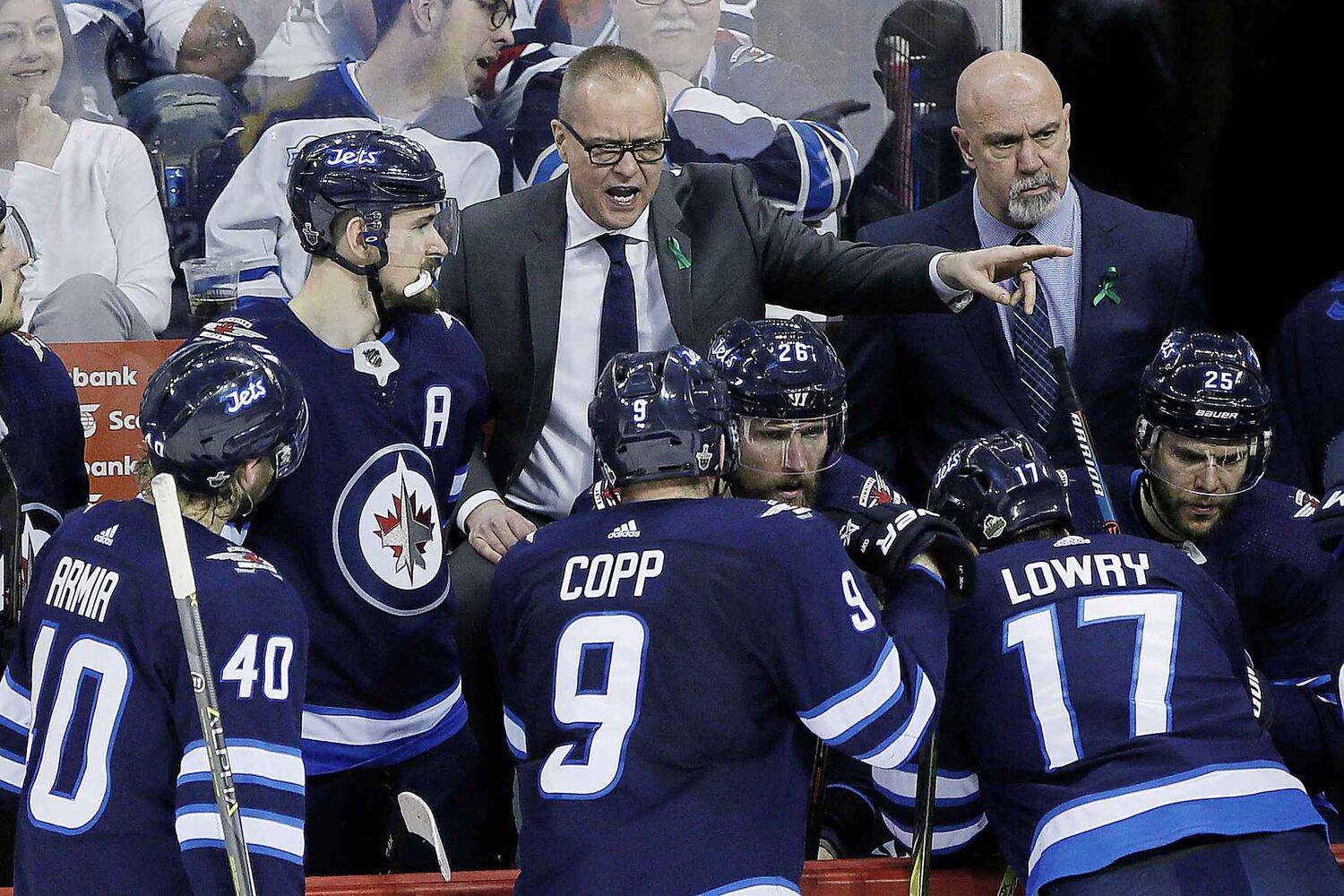 JOHN WOODS / THE CANADIAN PRESS</p><pWinnipeg Jets head coach Paul Maurice talks to his team during third period of game one action in the NHL Western Conference Final in Winnipeg on Saturday, May 12, 2018.</p>