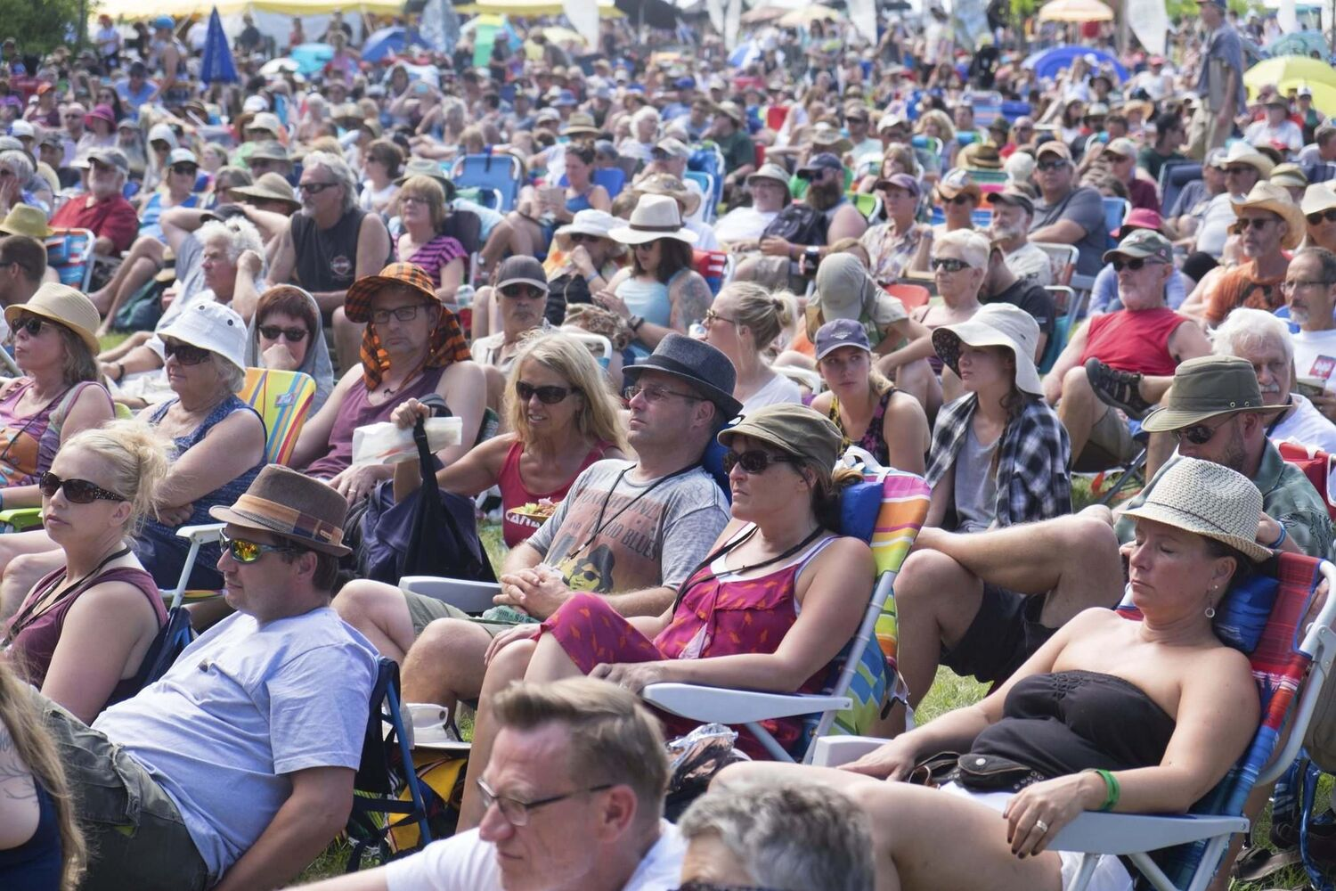ZACHARY PRONG / WINNIPEG FREE PRESS</p></p><p>The Audience enjoying shows on Friday's main stage during Winnipeg Folk Festival.</p>