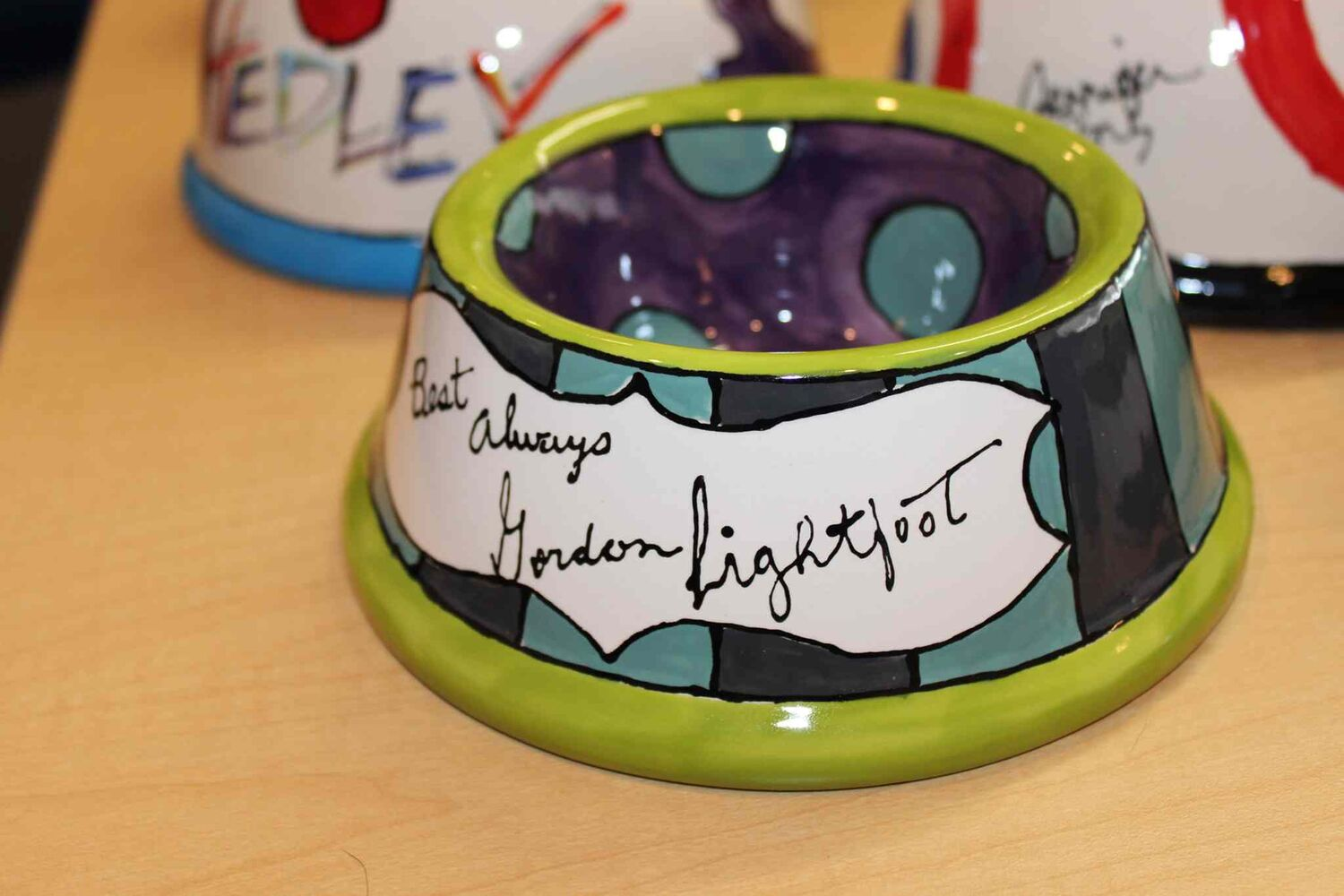 WHS ceramic pet bowl signed by Gordon Lightfoot.
