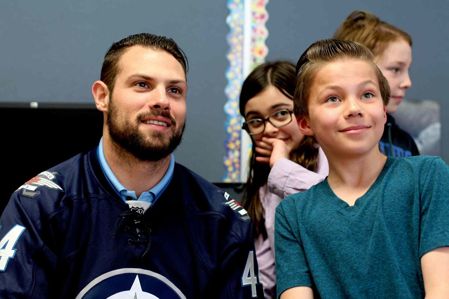 Winnipeg Jets defenceman Zach Bogosian paid a visit to students at St. Ignatius School as a reward for winning the Classroom Recycling Challenge.  (Jordan Thompson)