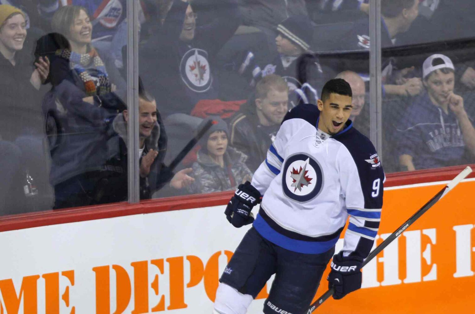 Evander Kane reacts after scoring on Al Montoya. (Boris Minkevich / Winnipeg Free Press)