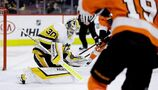 Murray makes 50 saves, Penguins beat Flyers 4-1