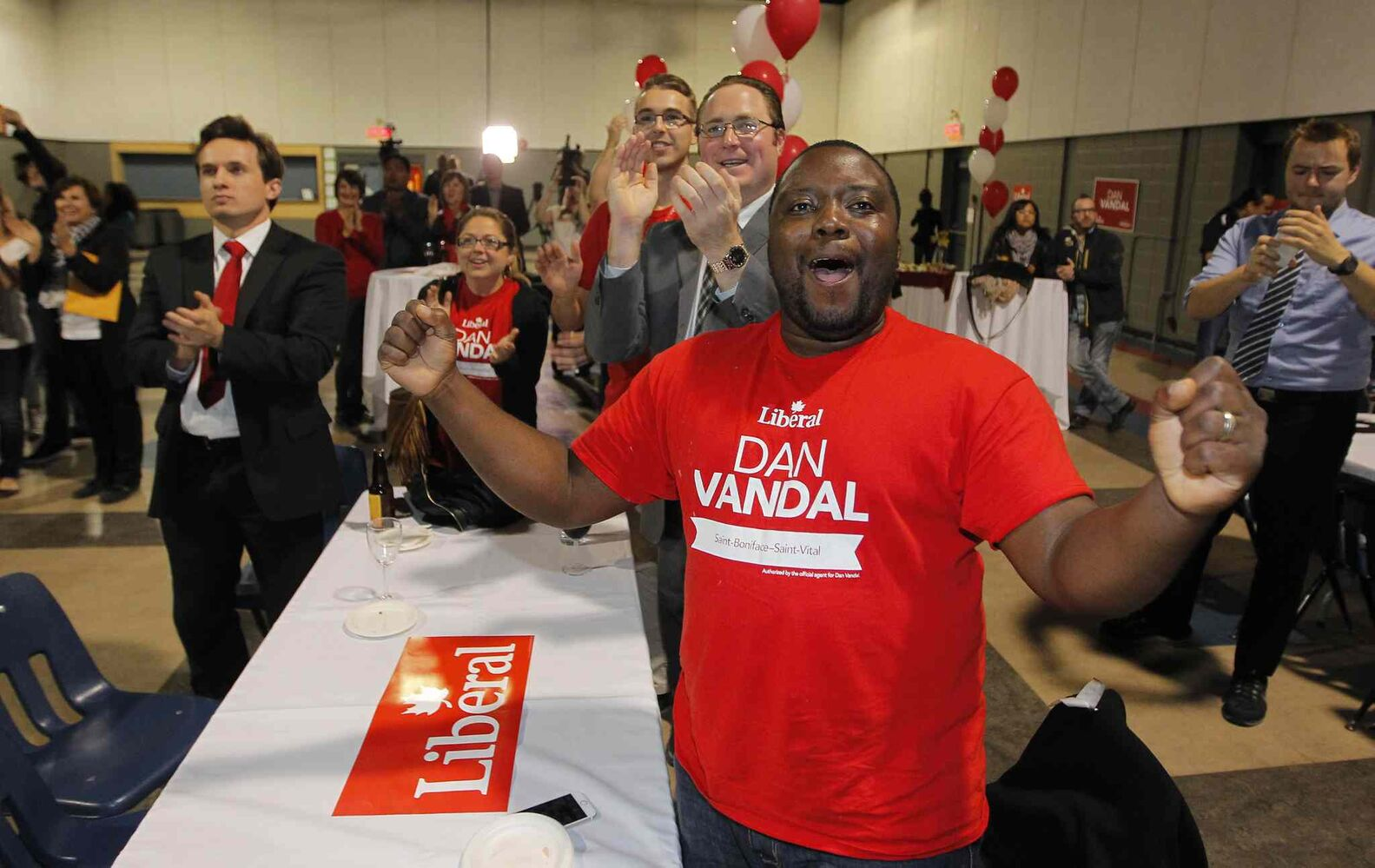 Liberal Dan Vandal party at the Franco-Manitoban Cultural Centre.  (BORIS MINKEVICH / WINNIPEG FREE PRESS)