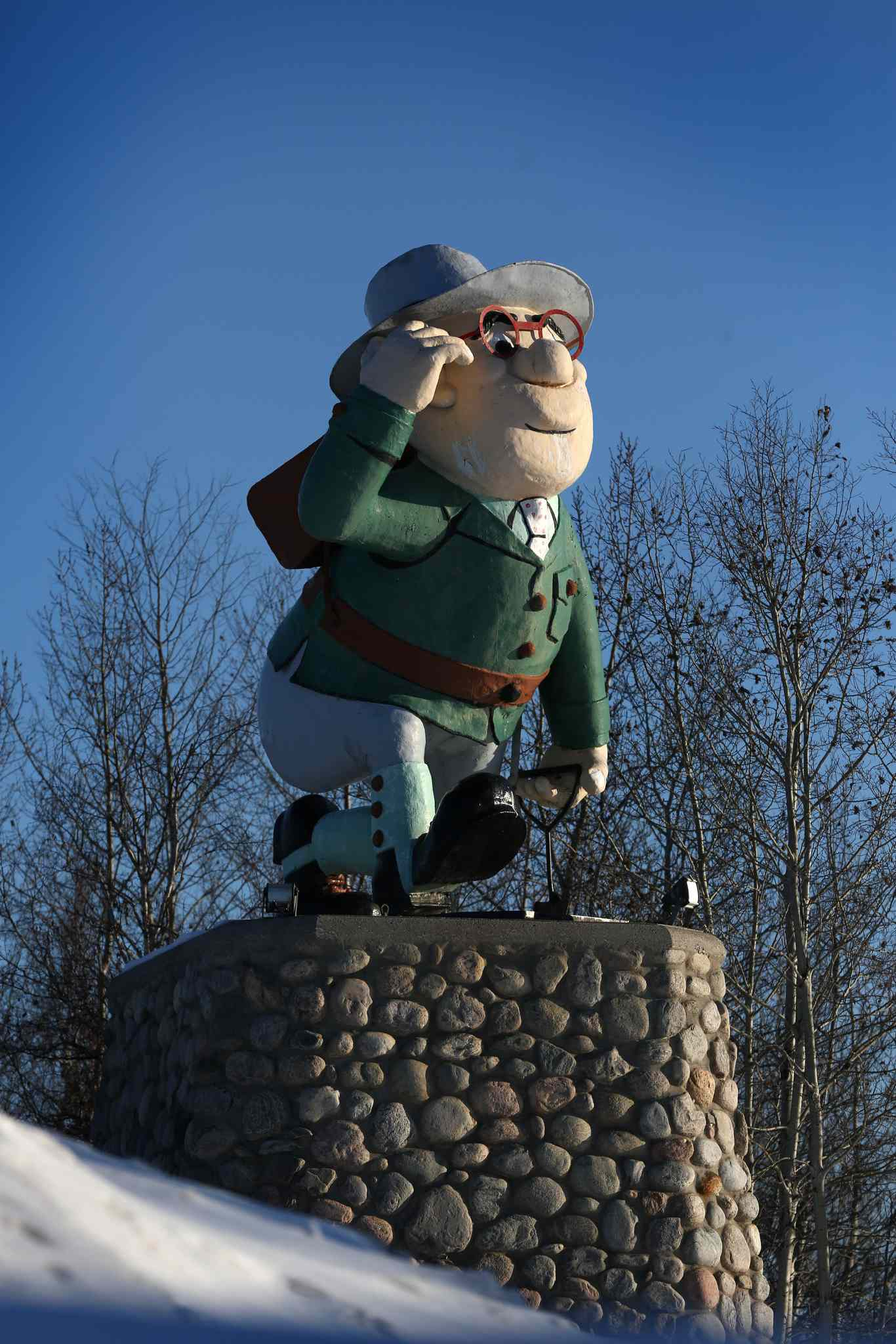 """RUTH BONNEVILLE / WINNIPEG FREE PRESS </p><P>  Flin Flon's much loved character """"Flinty,"""" designed by cartoonist Al Capp, is situated in a park near the entrance to the town of Flin Flon and was named after science-fiction character, Josiah Flintabbatey Flonatin, from the 1905 book The Sunless City."""
