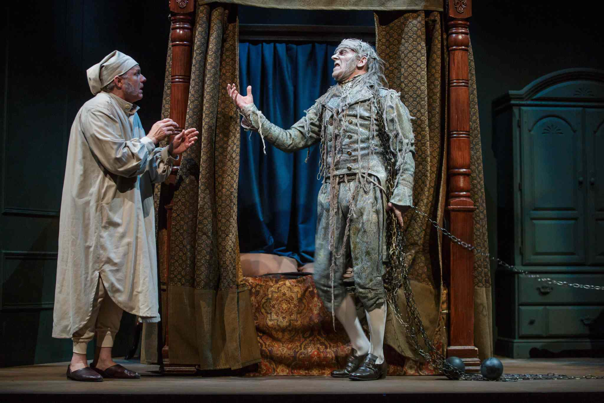 Arne MacPherson as Jacob Marley (right) appears to Ebenezer Scrooge's (Robb Paterson) during a technical rehearsal. (Mike Deal / Winnipeg Free Press)