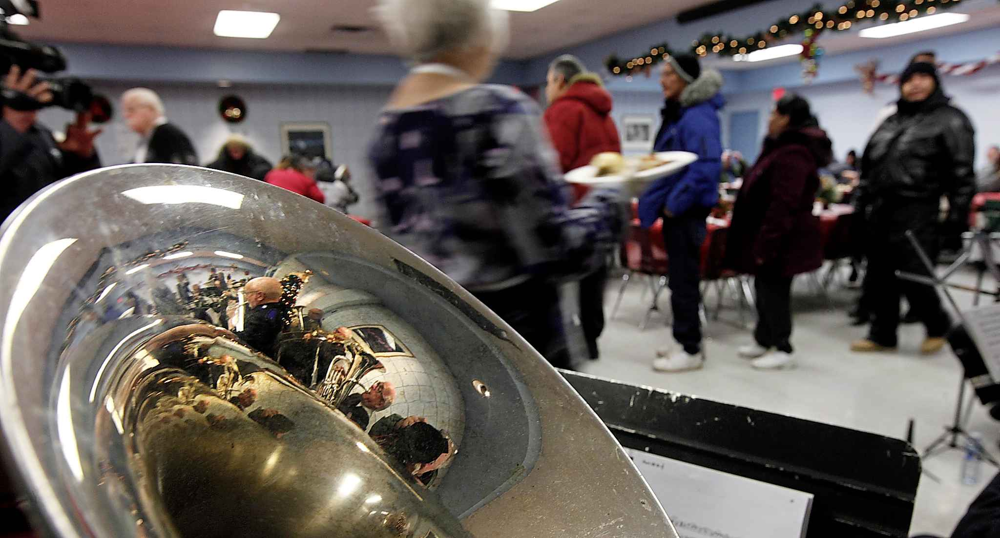 The Salvation Army's Centre of Hope hosts an annual Christmas feast. (Phil Hossack / Free Press files)