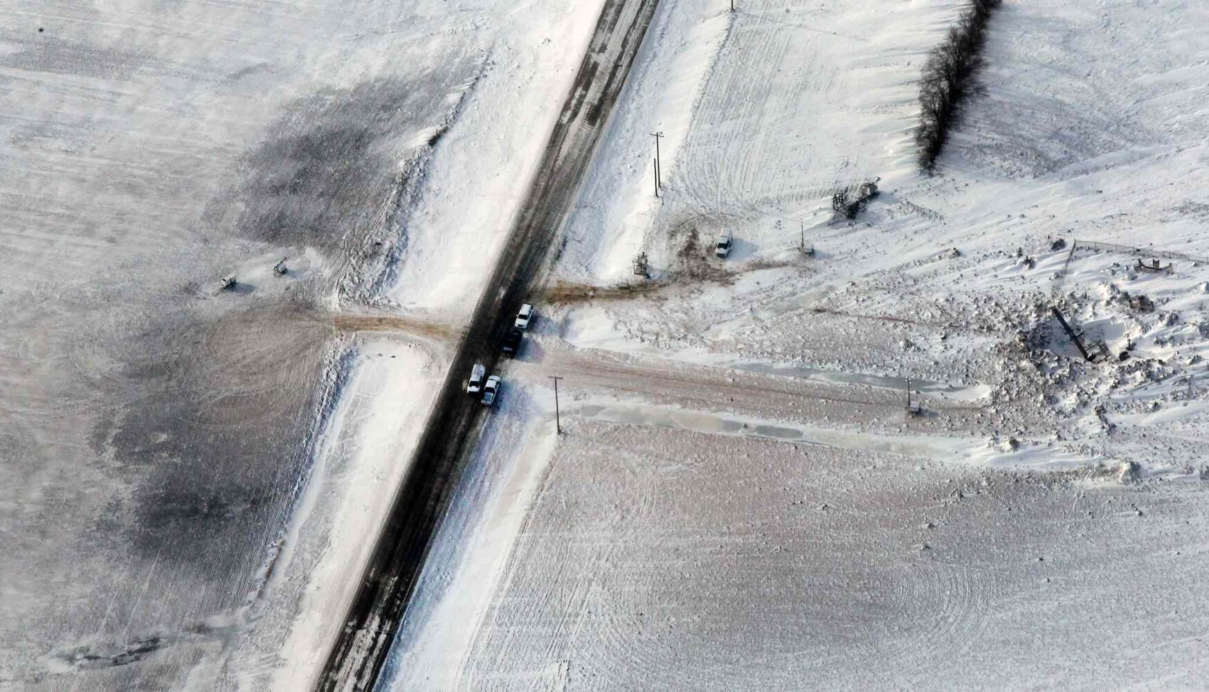 Aerial view Monday of the site of the TransCanada pipeline explosion and fire. (Joe Bryksa / Winnipeg Free Press)