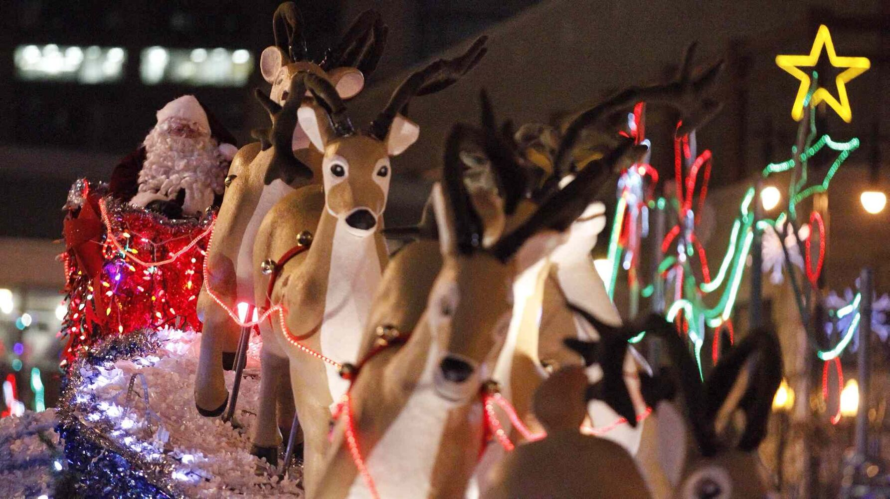 Santa and his reindeer were looking good at the parade. (TREVOR HAGAN / WINNIPEG FREE PRESS)