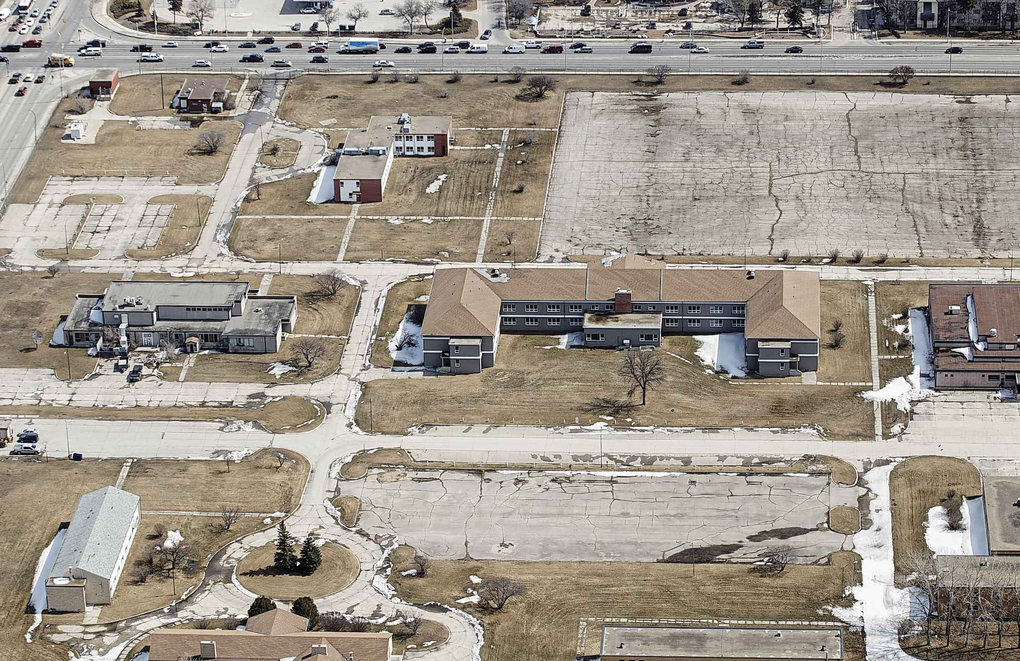 An aerial view of the former 160-acre site of the former Kapyong Barracks. (Mike Deal / Winnipeg Free Press files)