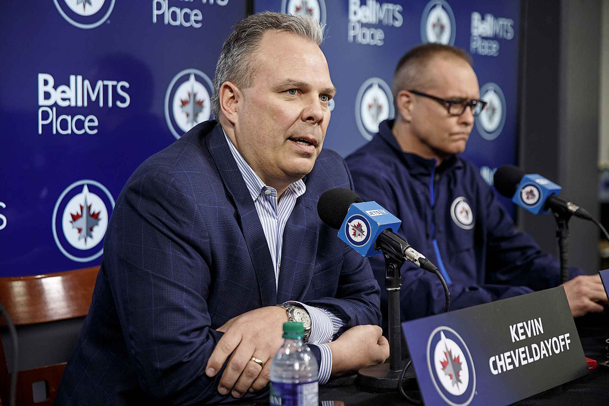 Winnipeg Jets' head coach Paul Maurice (right) and GM Kevin Cheveldayoff during the final media call of the 2017-18 season.