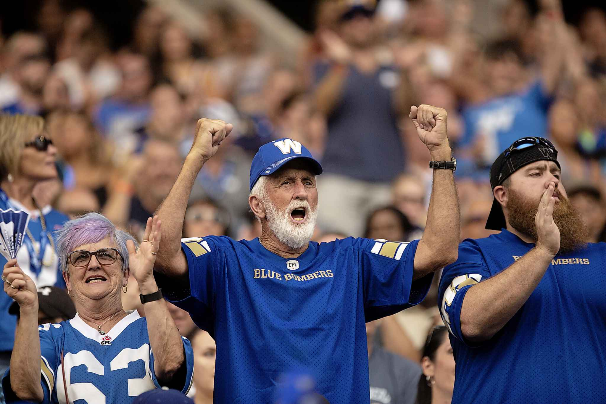 Fans liked what they saw early from the Bombers Friday. (ANDREW RYAN / WINNIPEG FREE PRESS)