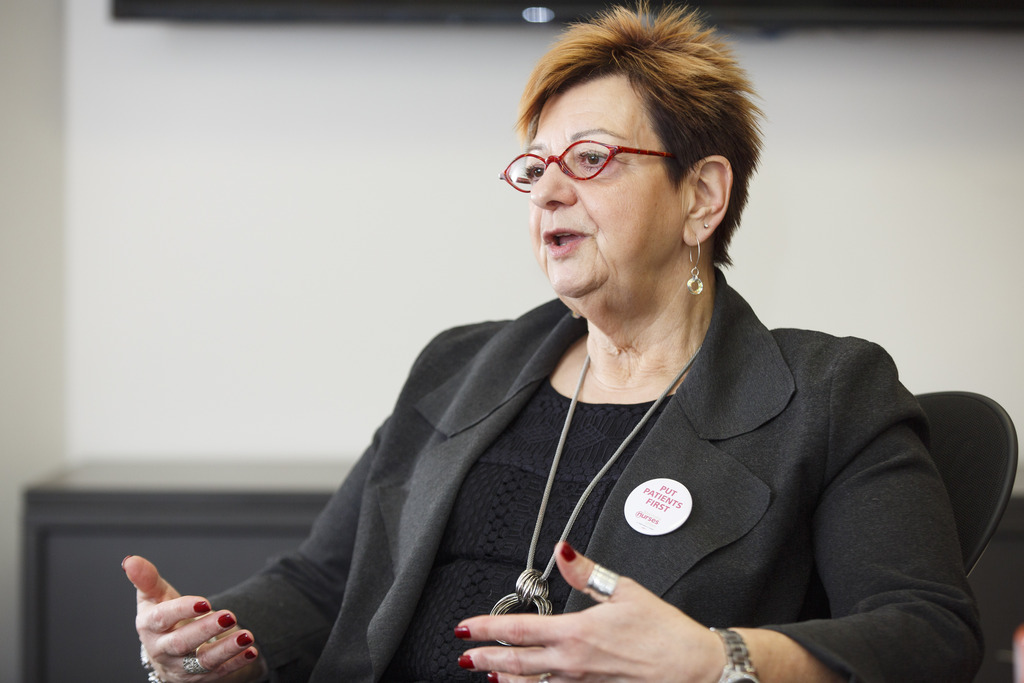 Darlene Jackson, president of the Manitoba Nurses Union, says the province should be restoring the public system's capacity. (Mike Deal / Winnipeg Free Press files)
