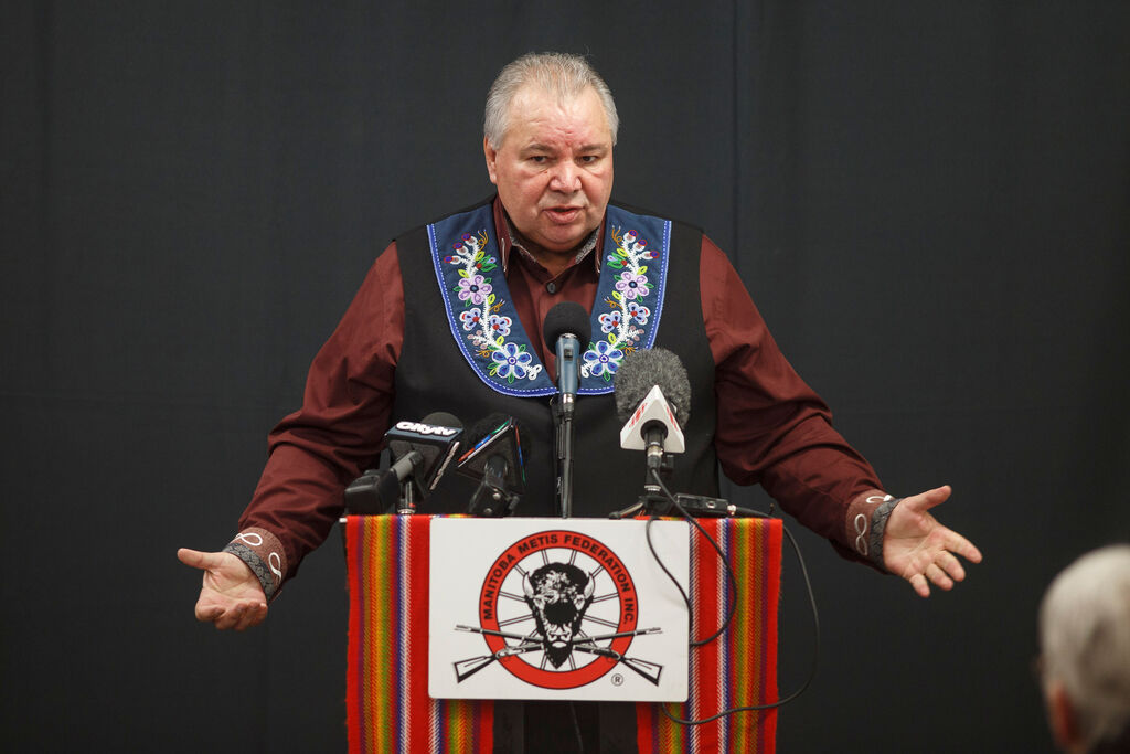 Métis people face much of the same oppression, poverty and health issues as other First Nations, says Manitoba Metis Federation president David Chartrand. (Mike Deal / Winnipeg Free Press files)