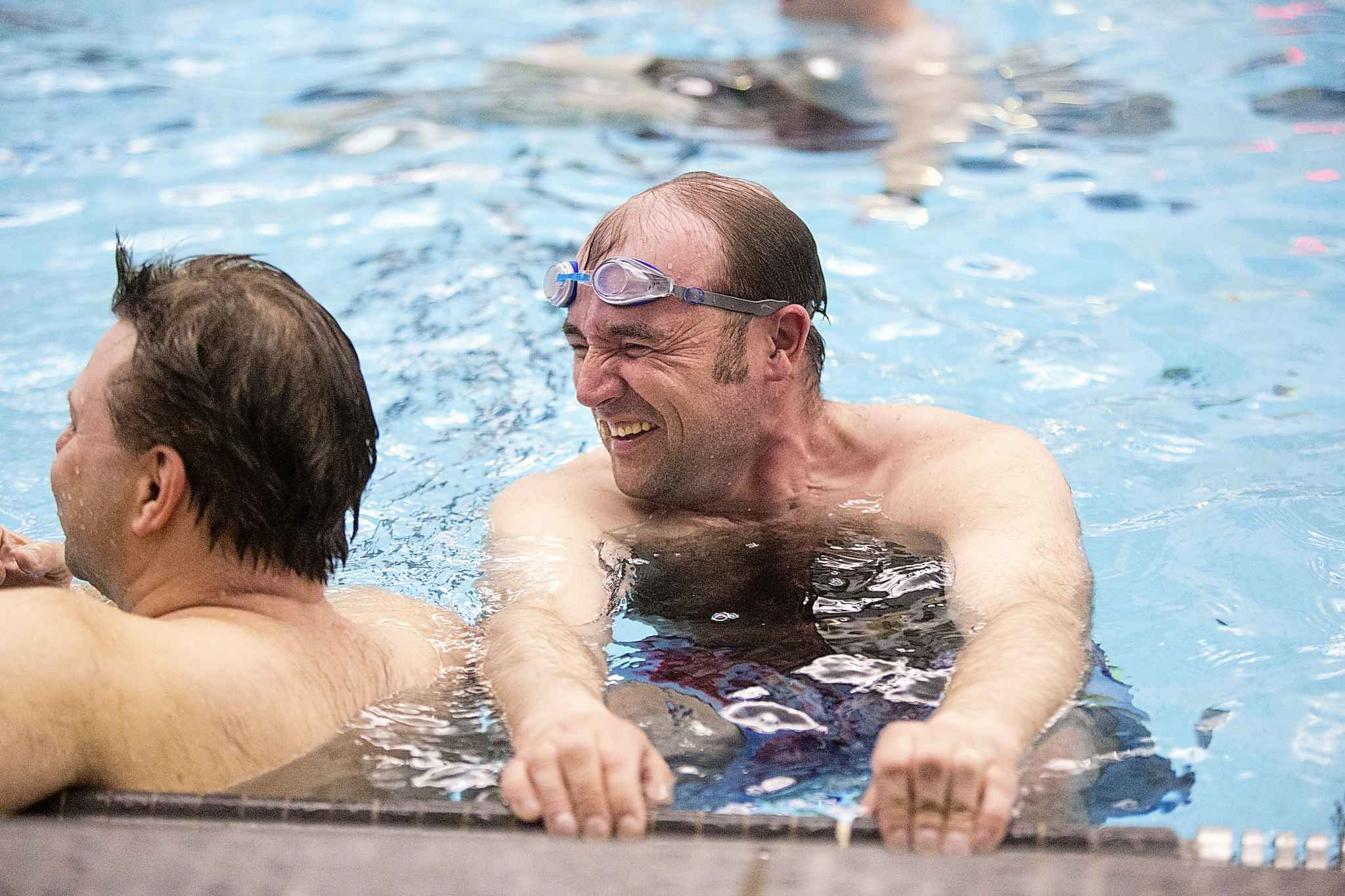MIKAELA MACKENZIE / WINNIPEG FREE PRESS</p><p>Tom Chubaty laughs during Manitoba's first men's synchronized/artistic swimming team practice.</p>