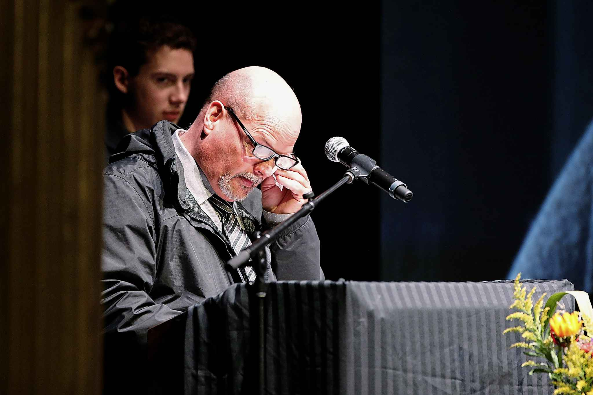 Kent Turner, brother of Randy Turner, wipes away a tear as he speaks. (JOHN WOODS / WINNIPEG FREE PRESS)