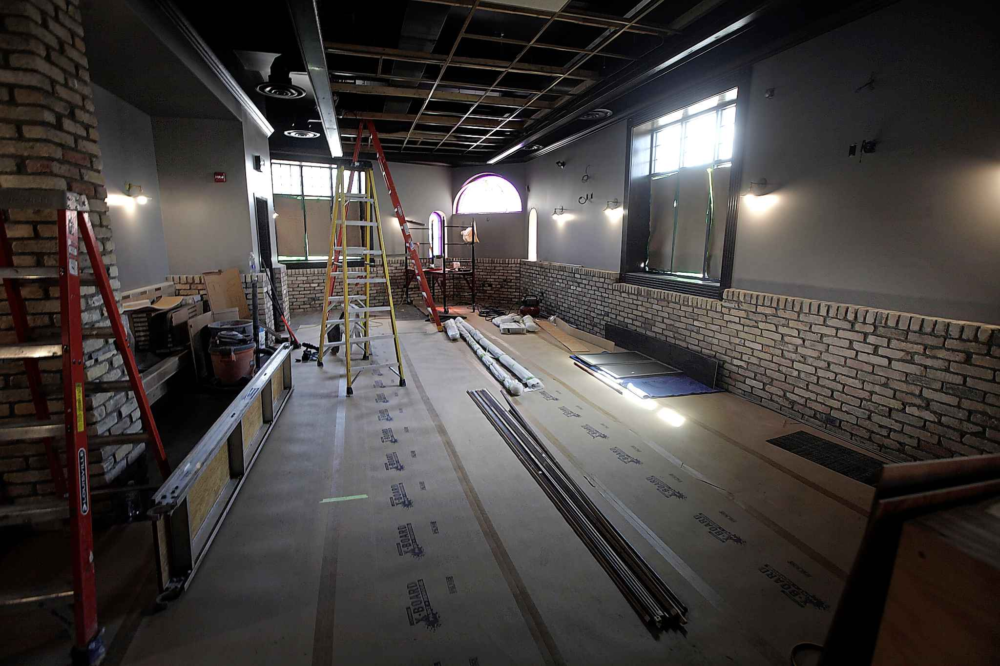 The old Fox & Hound will be called Barstool Pub & Eatery.