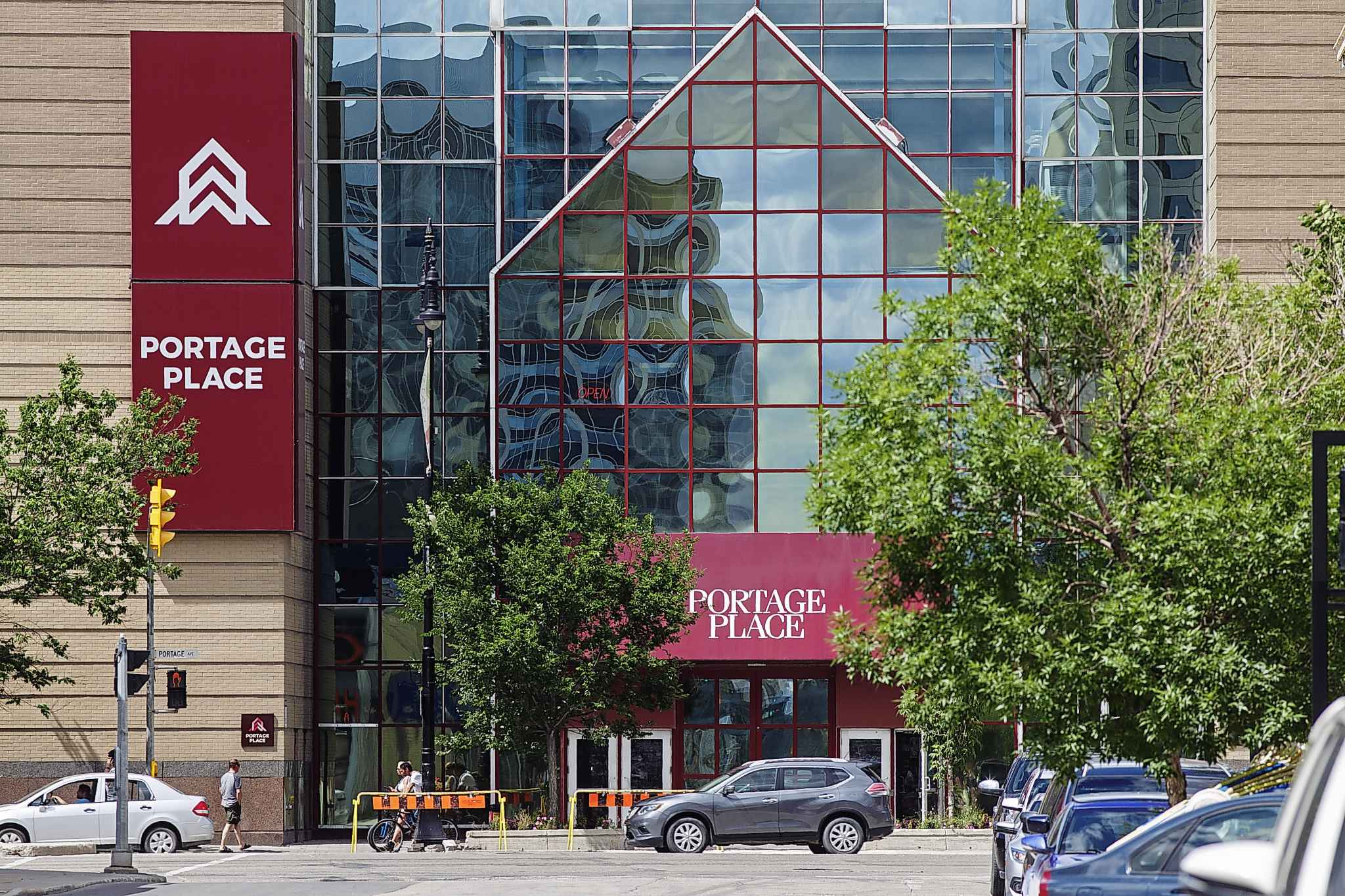 Starlight Investments is prepared to buy Portage Place.