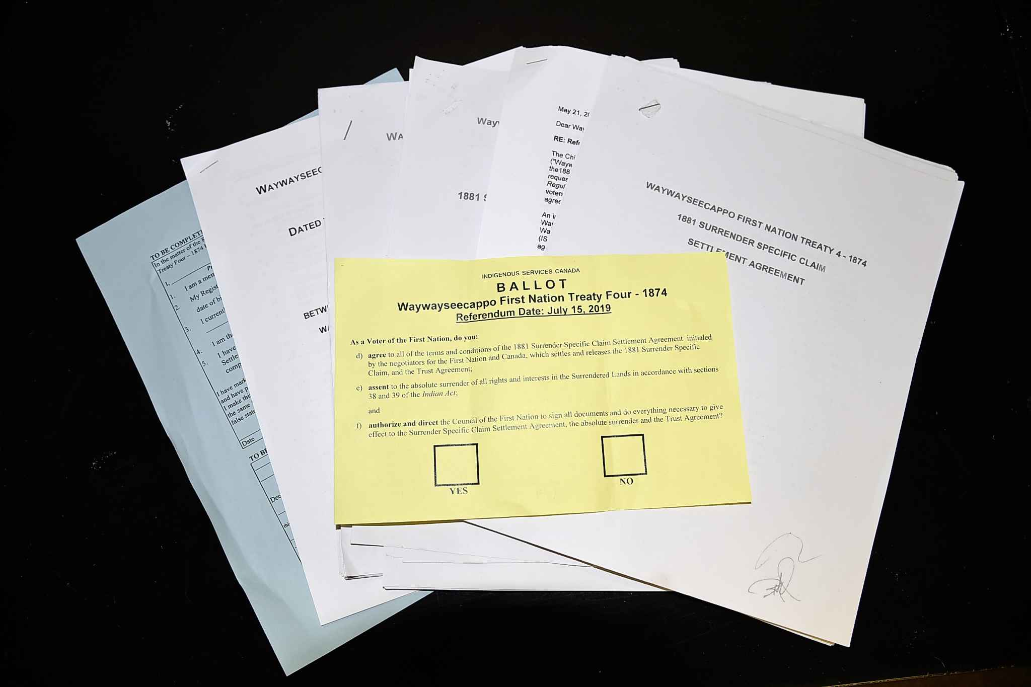documents pertaining to the settlement agreement between Waywayseecappo First Nation and Canada
