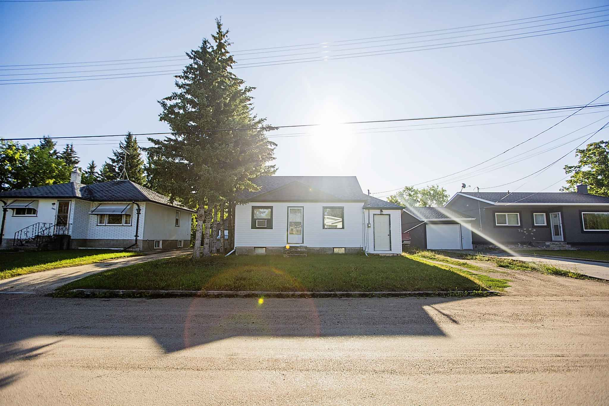 Before he fled to the United States, Mathews lived in this small house in Beausejour. (Mikaela MacKenzie / Winnipeg Free Press Files)